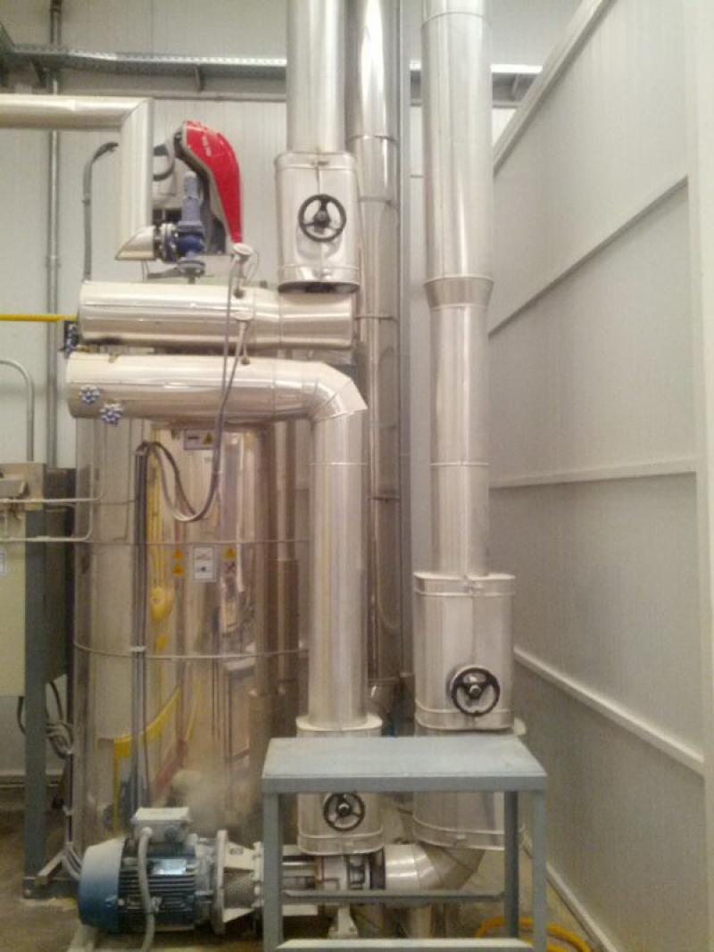 Caldera e instalación de aceite térmico de 600.000 kcal para alimentación de tren de fritos