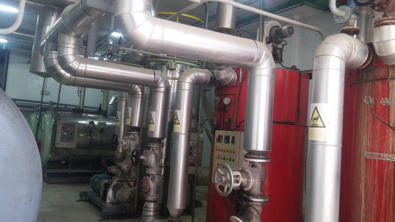 Enero 2016 | Instalación de lavandería industrial con dos calderas de vapor y tres de aceite térmico con una potencia total superior a los 6 Mw